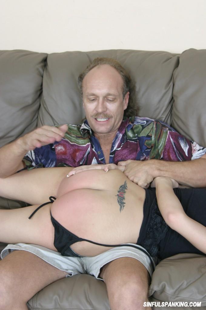 Kelsey farting in blowjob