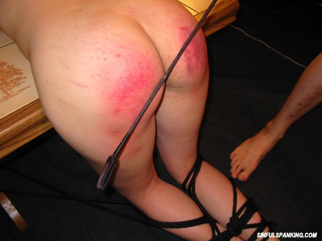 Amateur Hottie Gets Her Sexy Ass Spanked 3029-2119