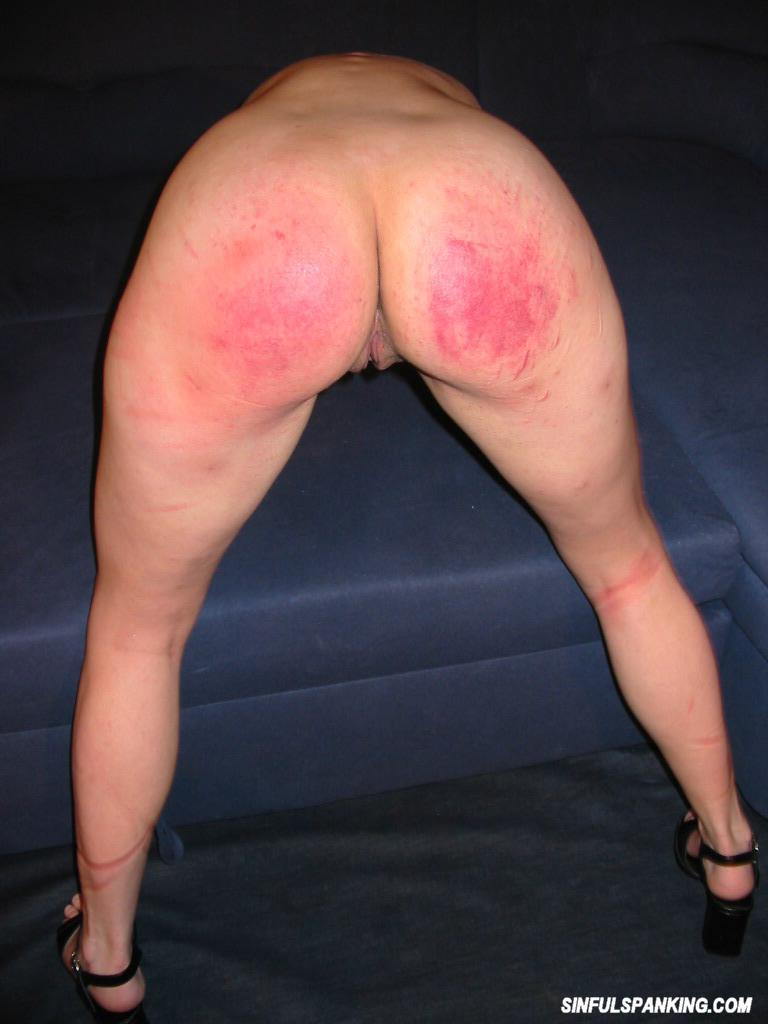 Amateur Hottie Gets Her Sexy Ass Spanked 3029-6369