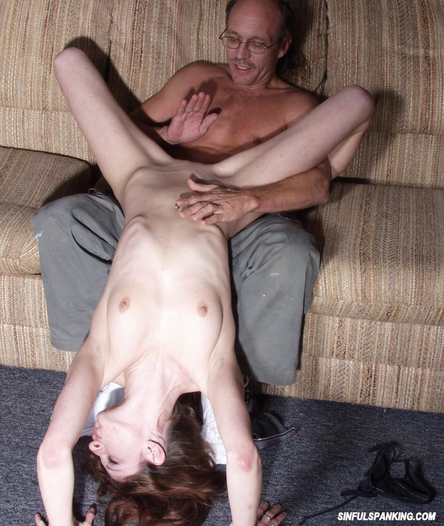 Male spanking naked females