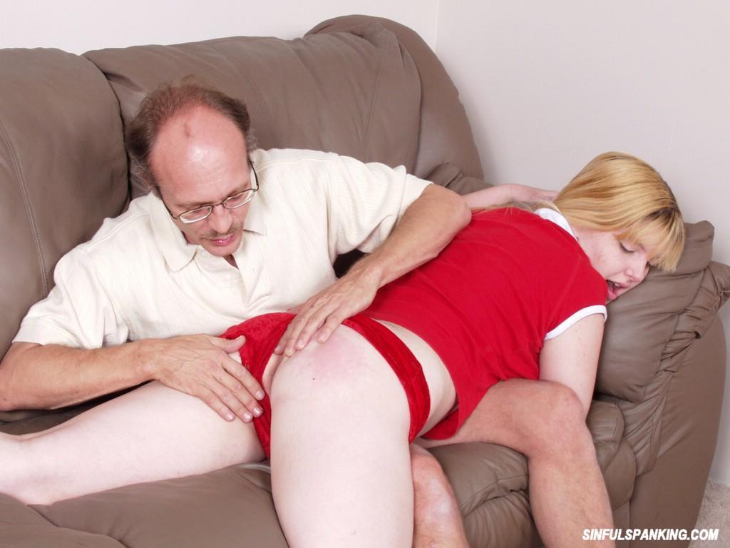 Blond Teenager Gets Spanked Før Rough Sex 3043-5352