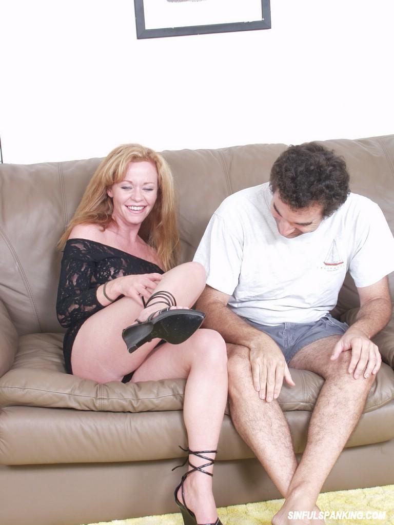 Gauche anal couples that spank MILF body this