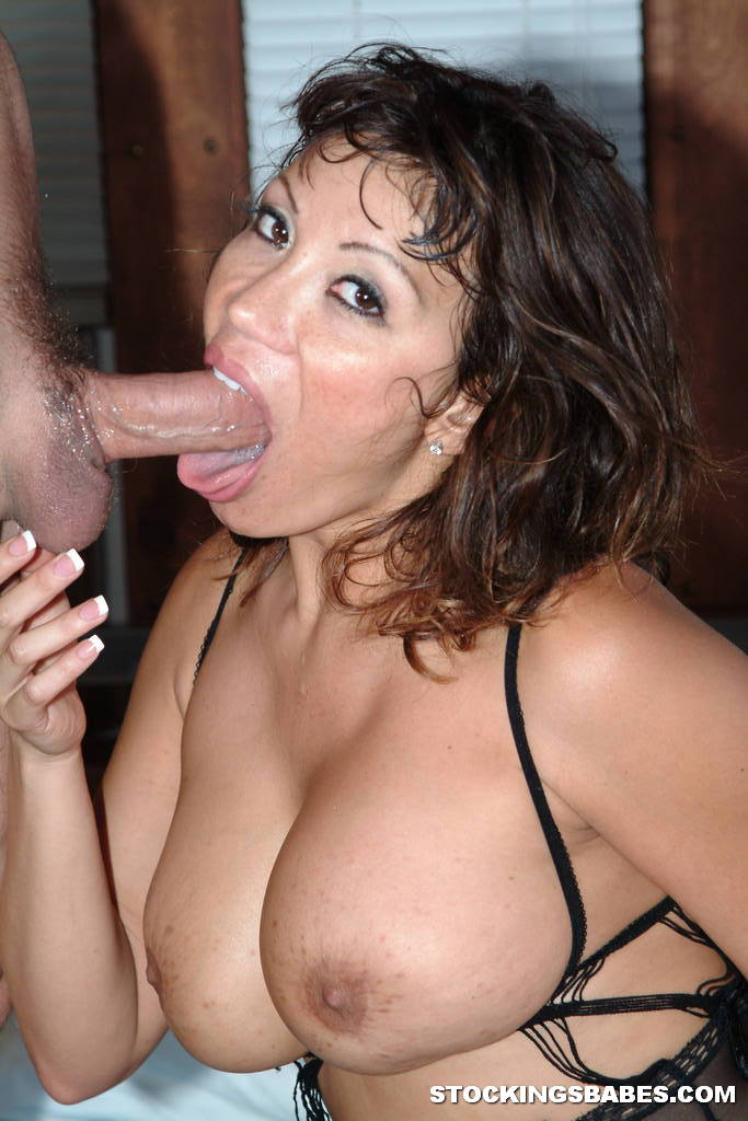 Crazy hardcore milfs share one guy