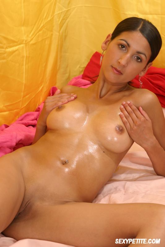 Indian Beauty Posing Nude 3172 - Page 2-8582