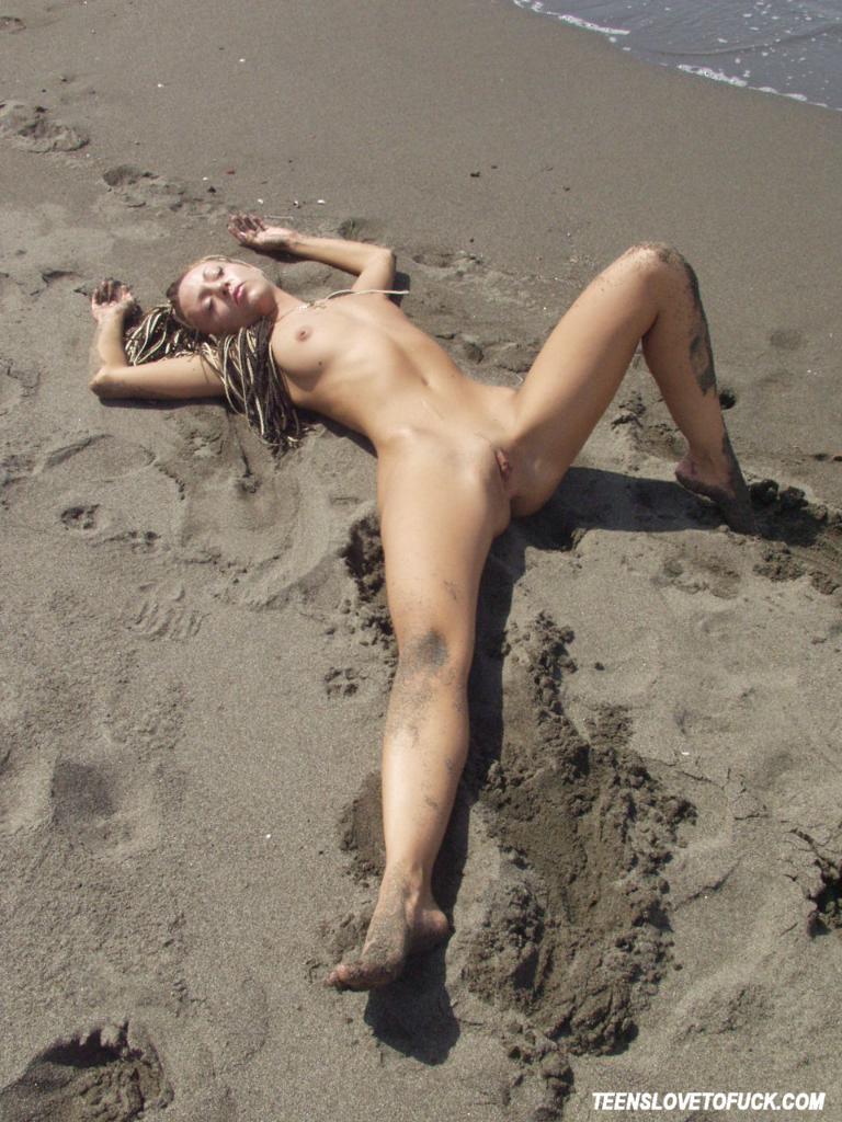 Sexy beach sluts