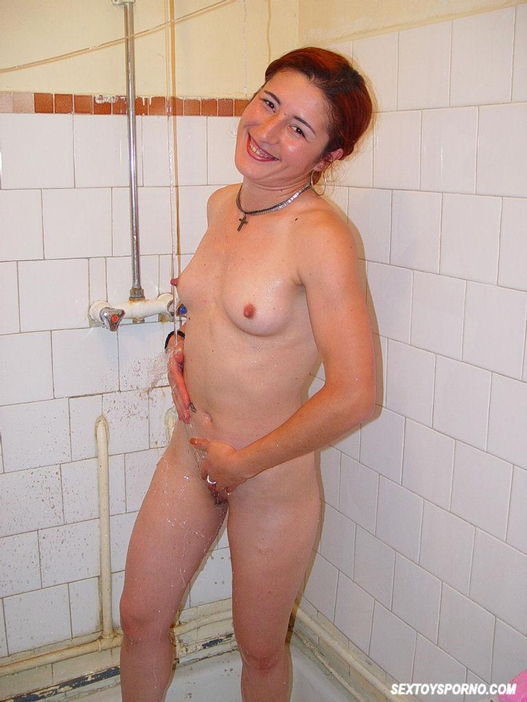 Teen pussy in showers-6856