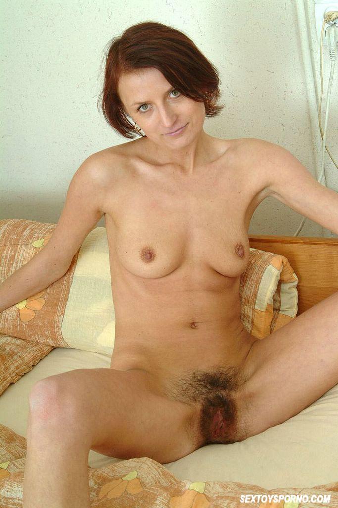 Mature Slut Toying Hairy Pussy