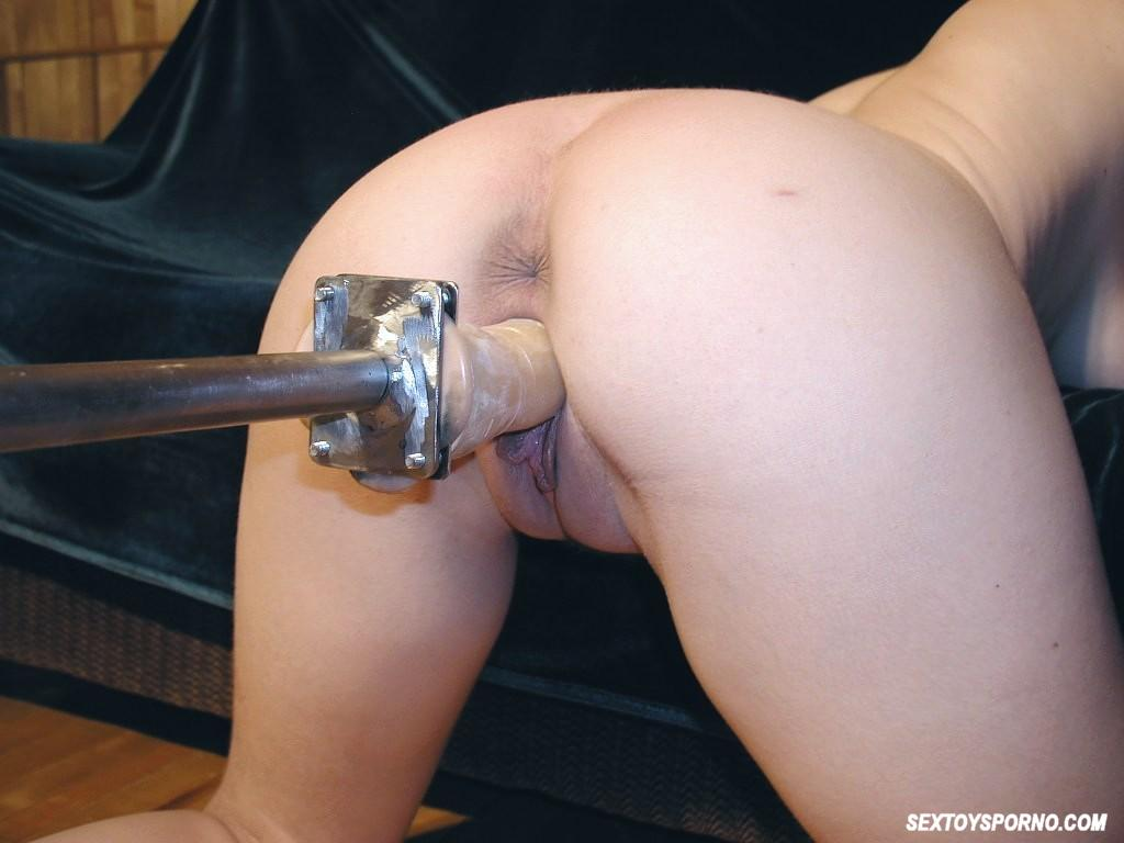 Amateur with dildo