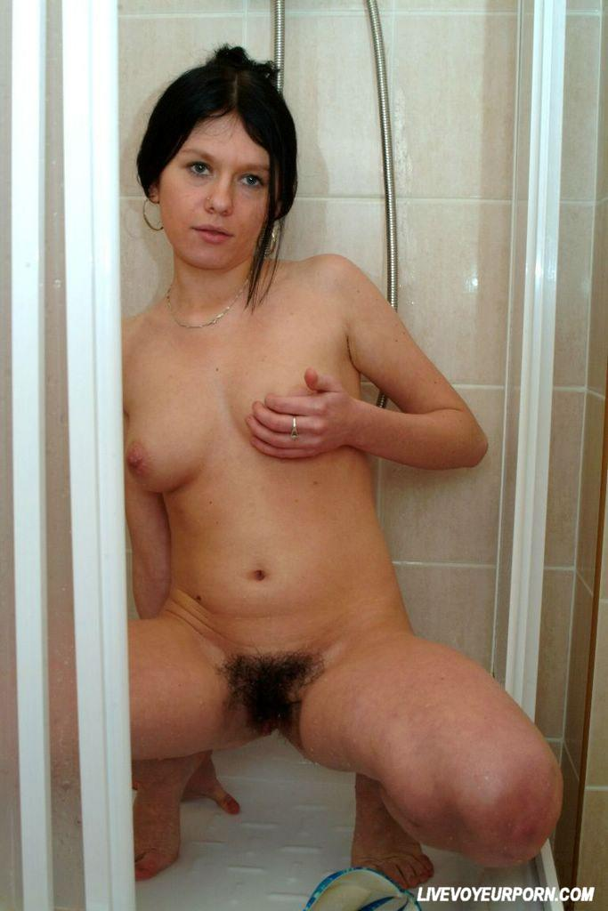 Horny brunette amateur wifel like hard home 6
