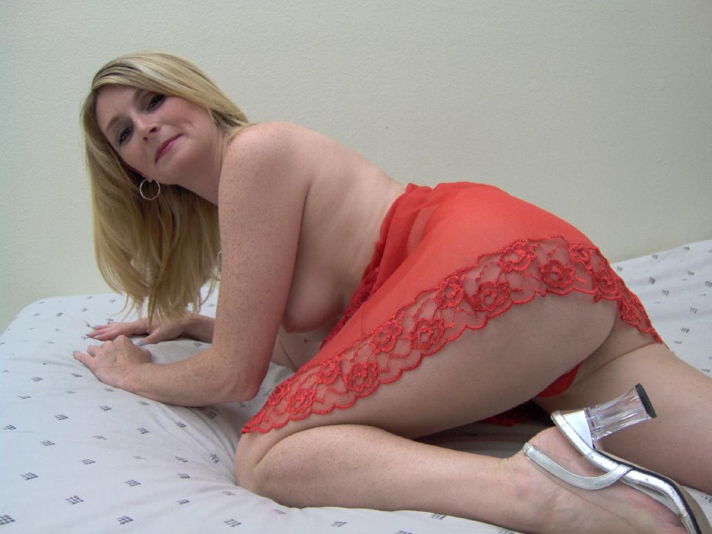 blonde wife black cock