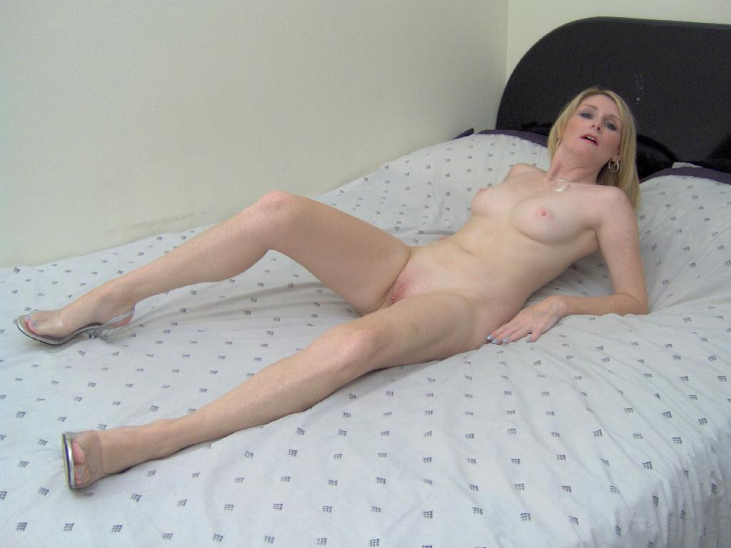 Amateur mature housewife needs a good fuck 9