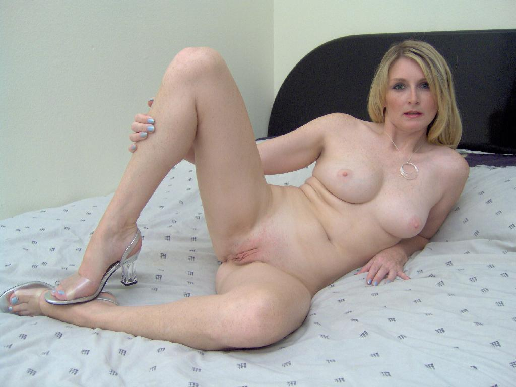 video-real-amanda-amateure-naked-in