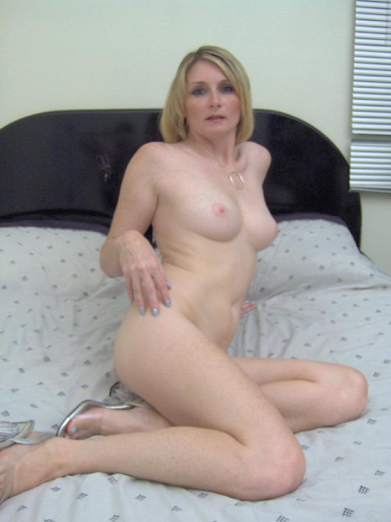 Demonstrable Mature housewife video