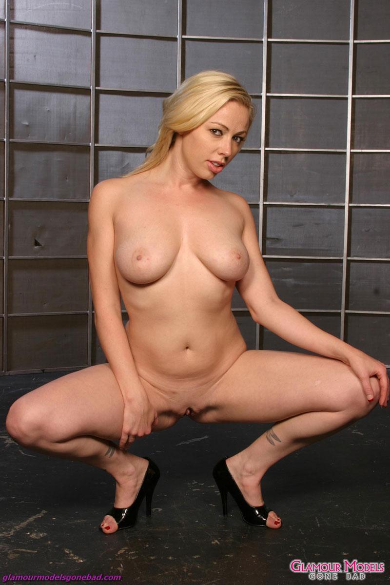 adrianne nicole nude