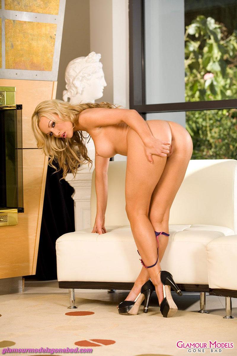 nude kayden kross alone