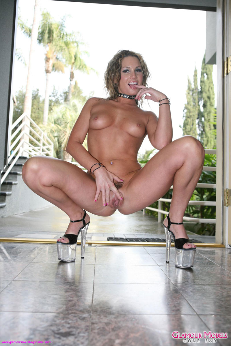 Flower tucci nude here