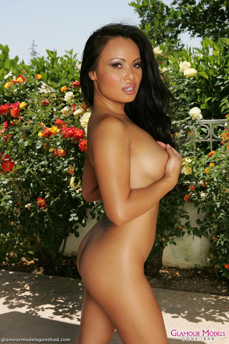 Mya Luanna Posing In Bikini And High Heels 4031-7720