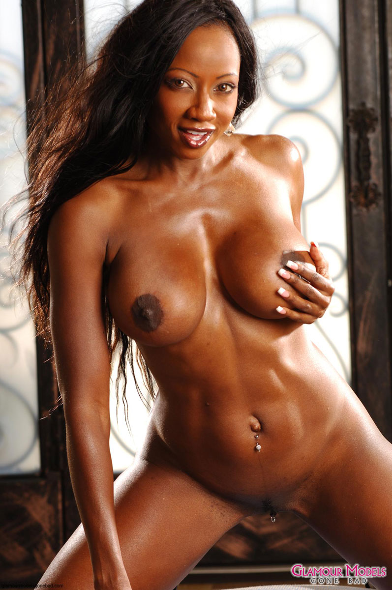 Diamond Jackson Shows Off Her Nude Body 4197-7446