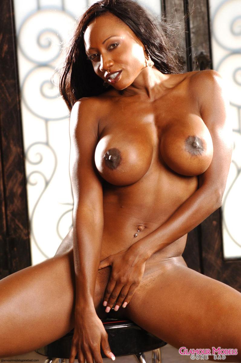 Diamond Jackson Shows Off Her Nude Body 4197-8090