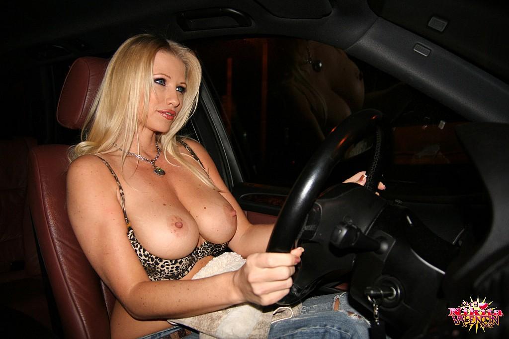 cute naked girls fucking