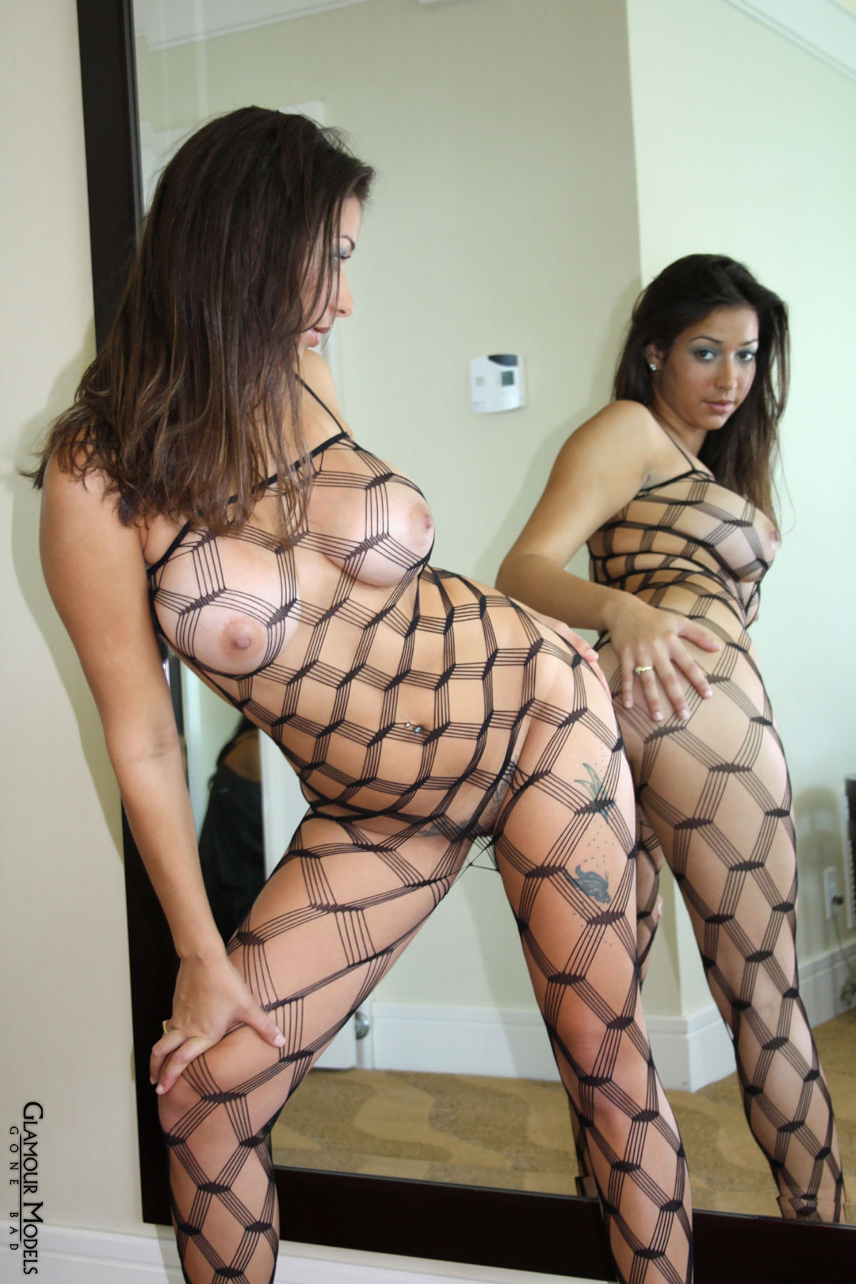 Jen Capone ser hot i fuld kropsramning 4588-9016