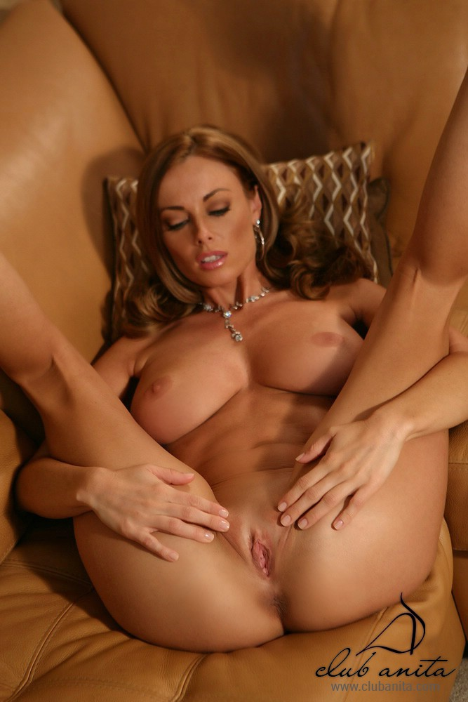 Spread Legs Nude Pics
