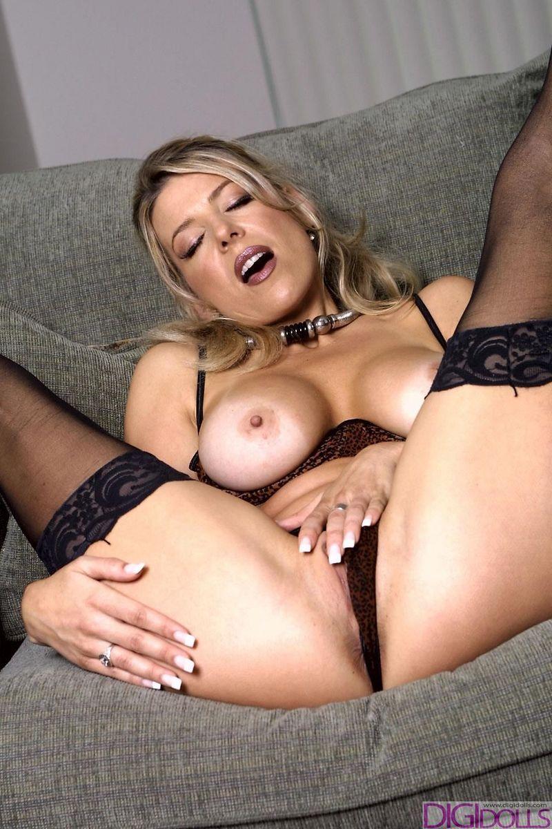 amanda lexx in leopard print bra and panties