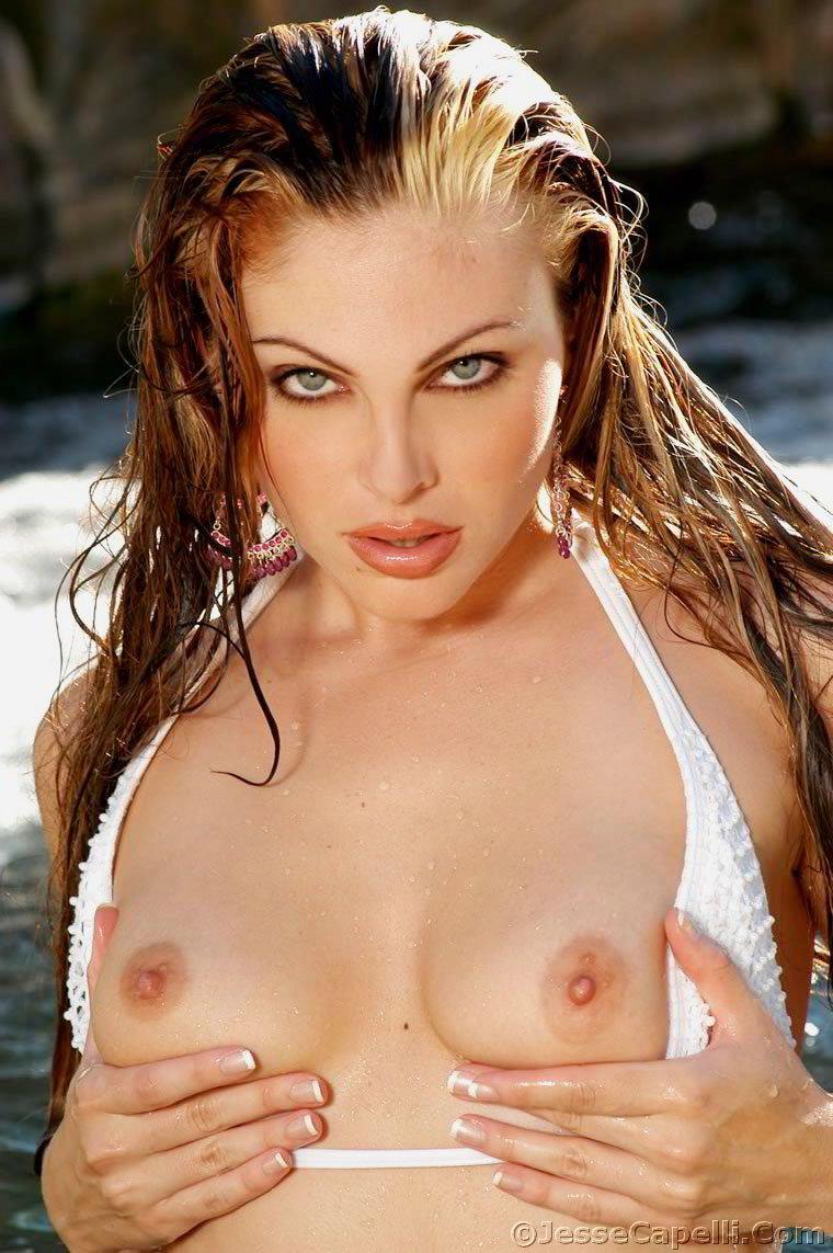 Jesse Capelli Nude jesse capelli posing in her white bikini 5293