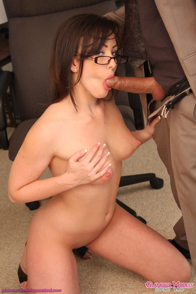 Slut jennifer white gets her faced destroyed by cock and get load of cum 1