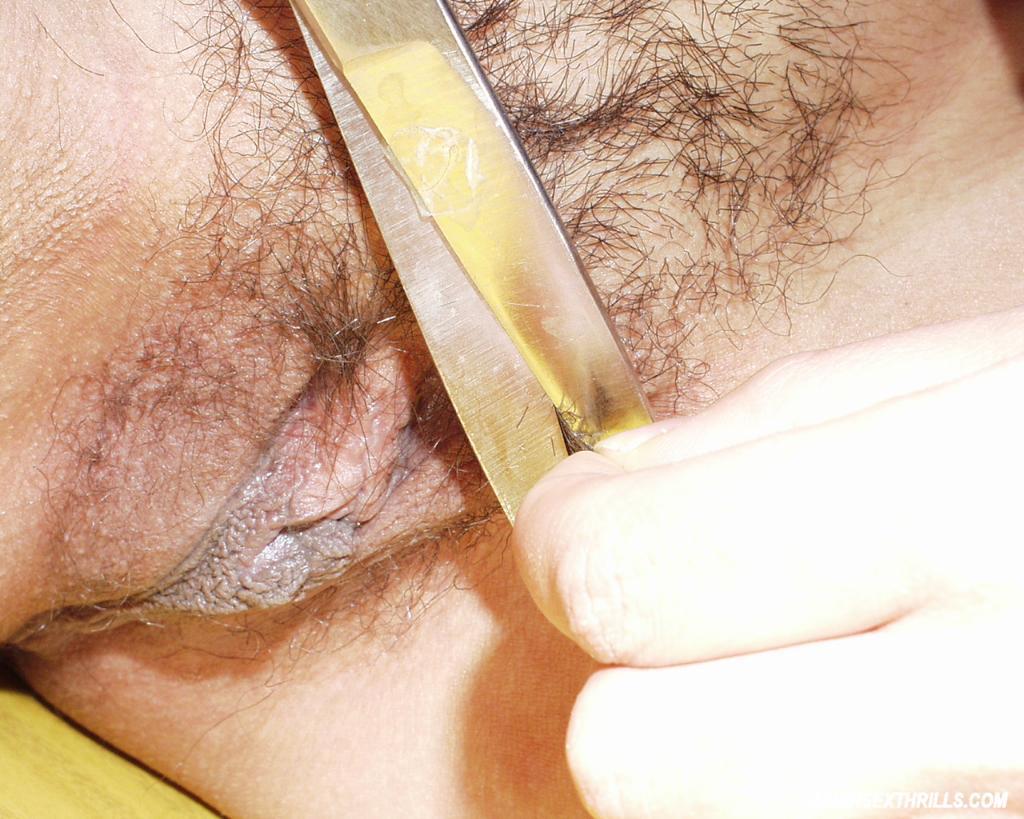 hairy-pussy-shaving