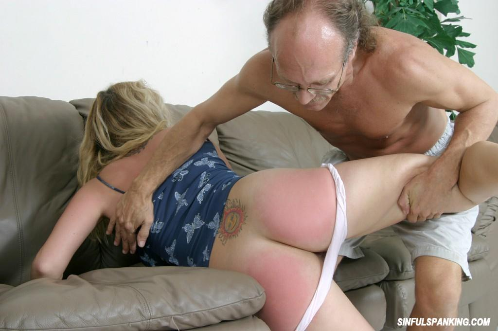 blonde getting spanked trap benefits