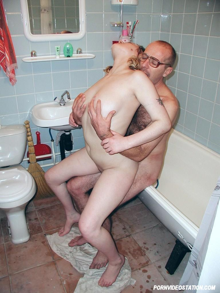 Get french daughter dad bath porno for free