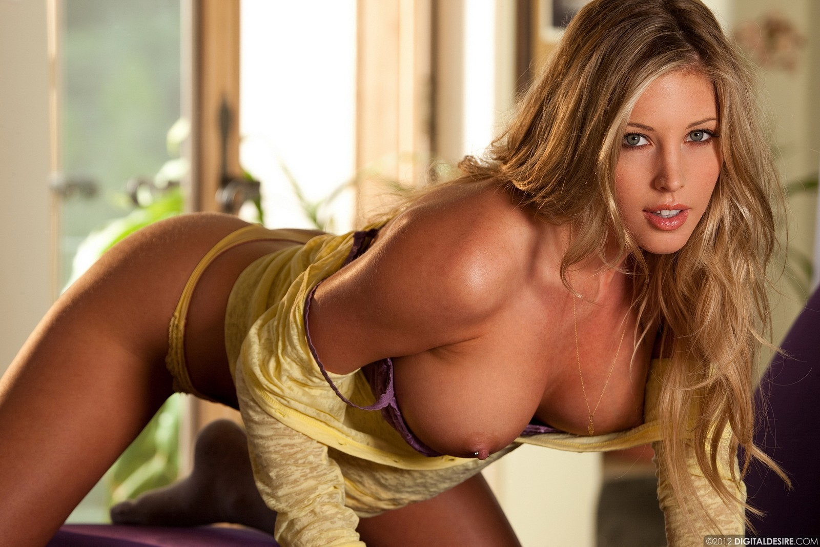 Samantha Saint Teases In A Yellow Shirt 751-5630