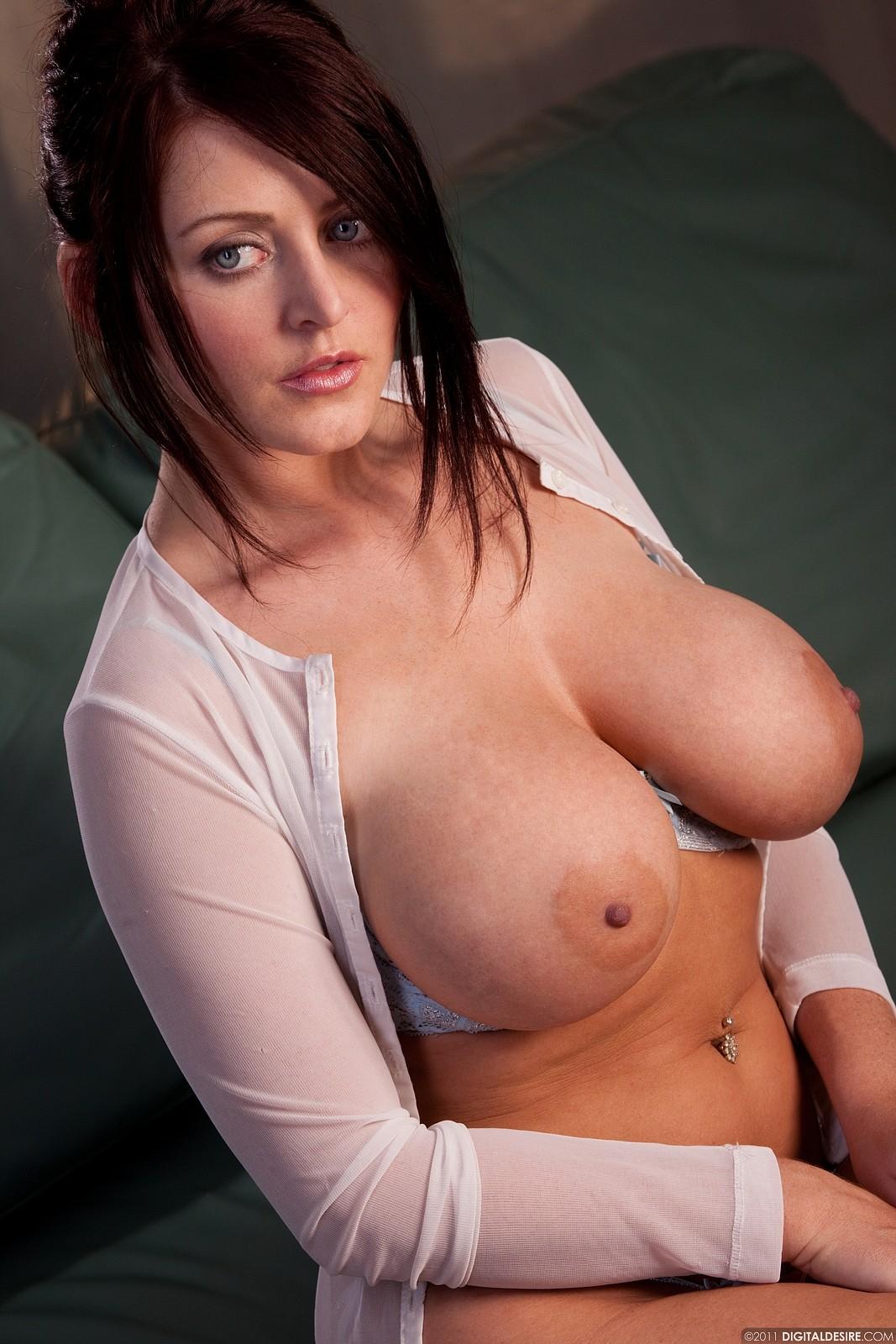 Шикарные мамочки с большими сиськами порно 21 фотография