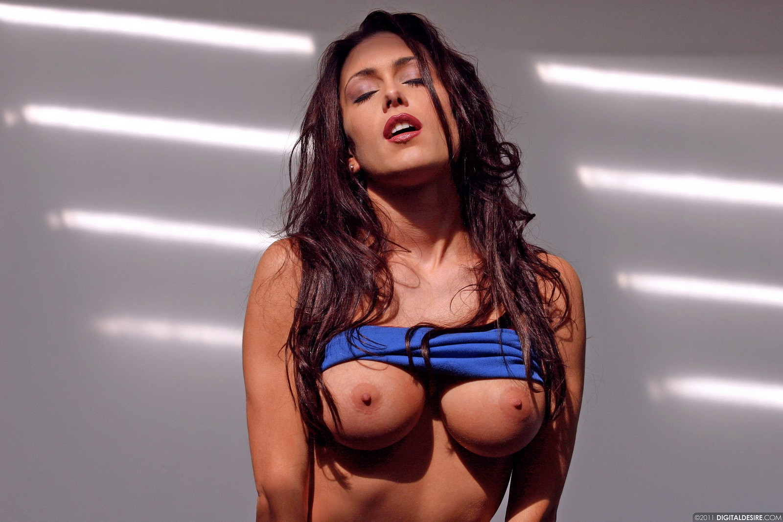 Sexy women hot wow nude pornos photos