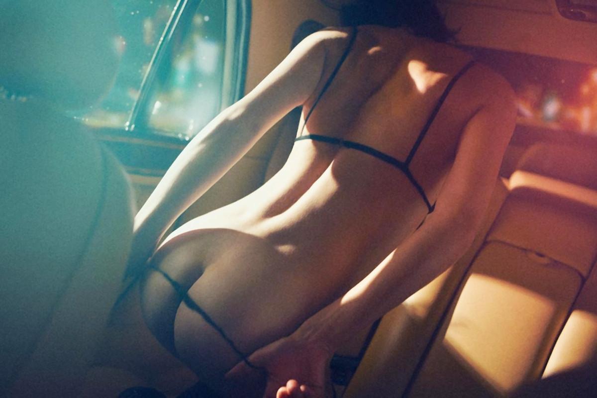 Секс в машине эротические фото 10 фотография