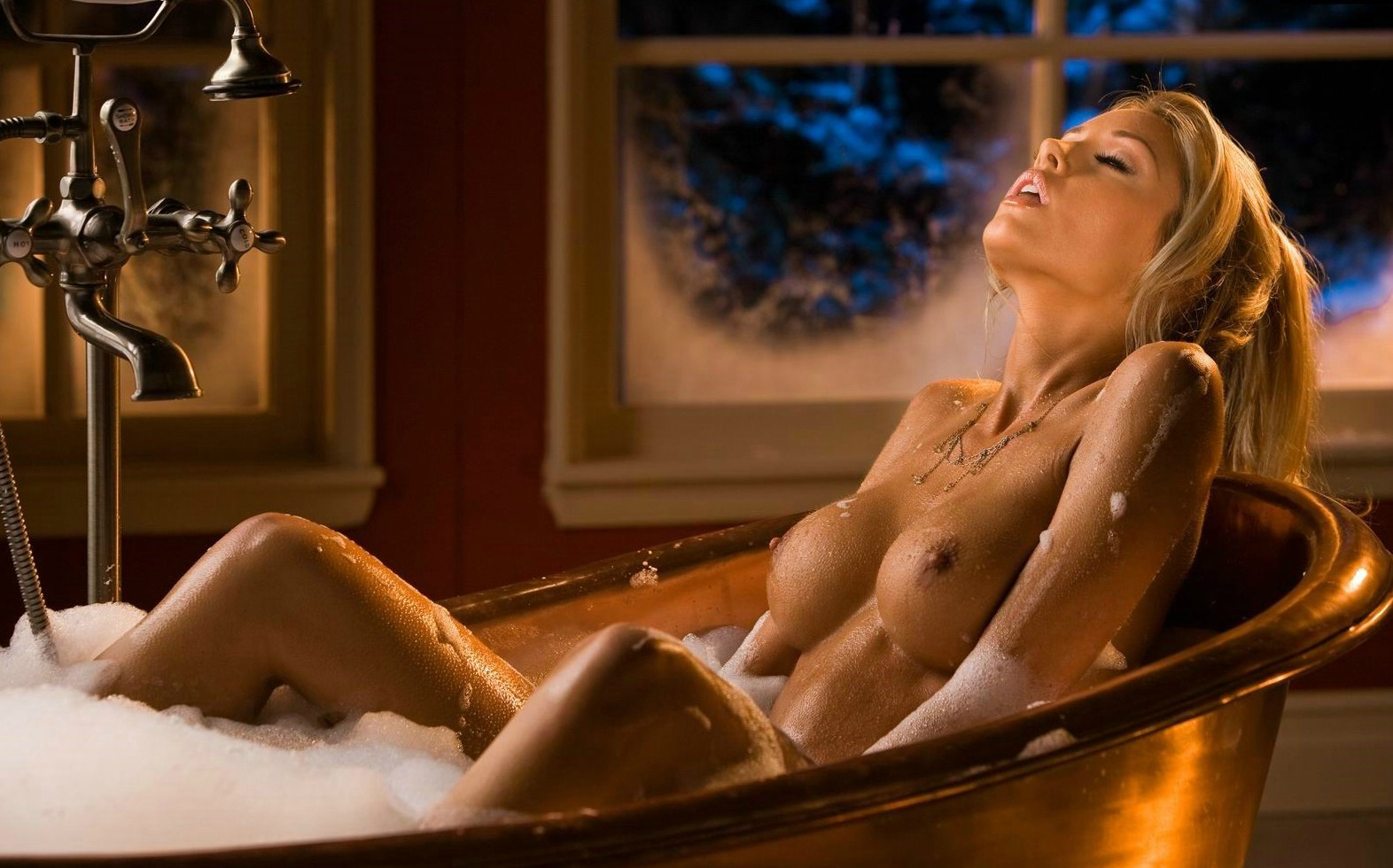 Wild Naked Lesbos In A Jacuzzi