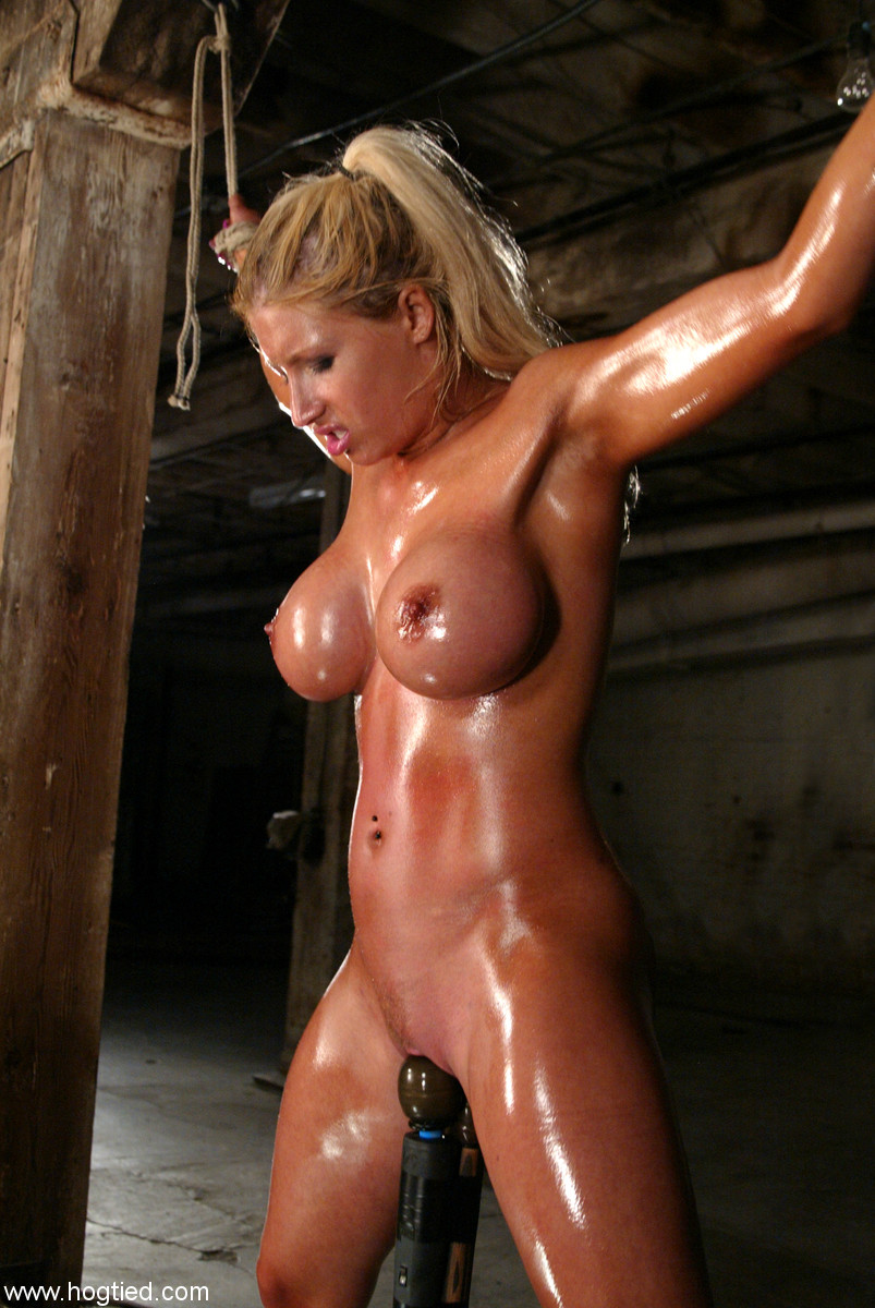 girls oild up and naked