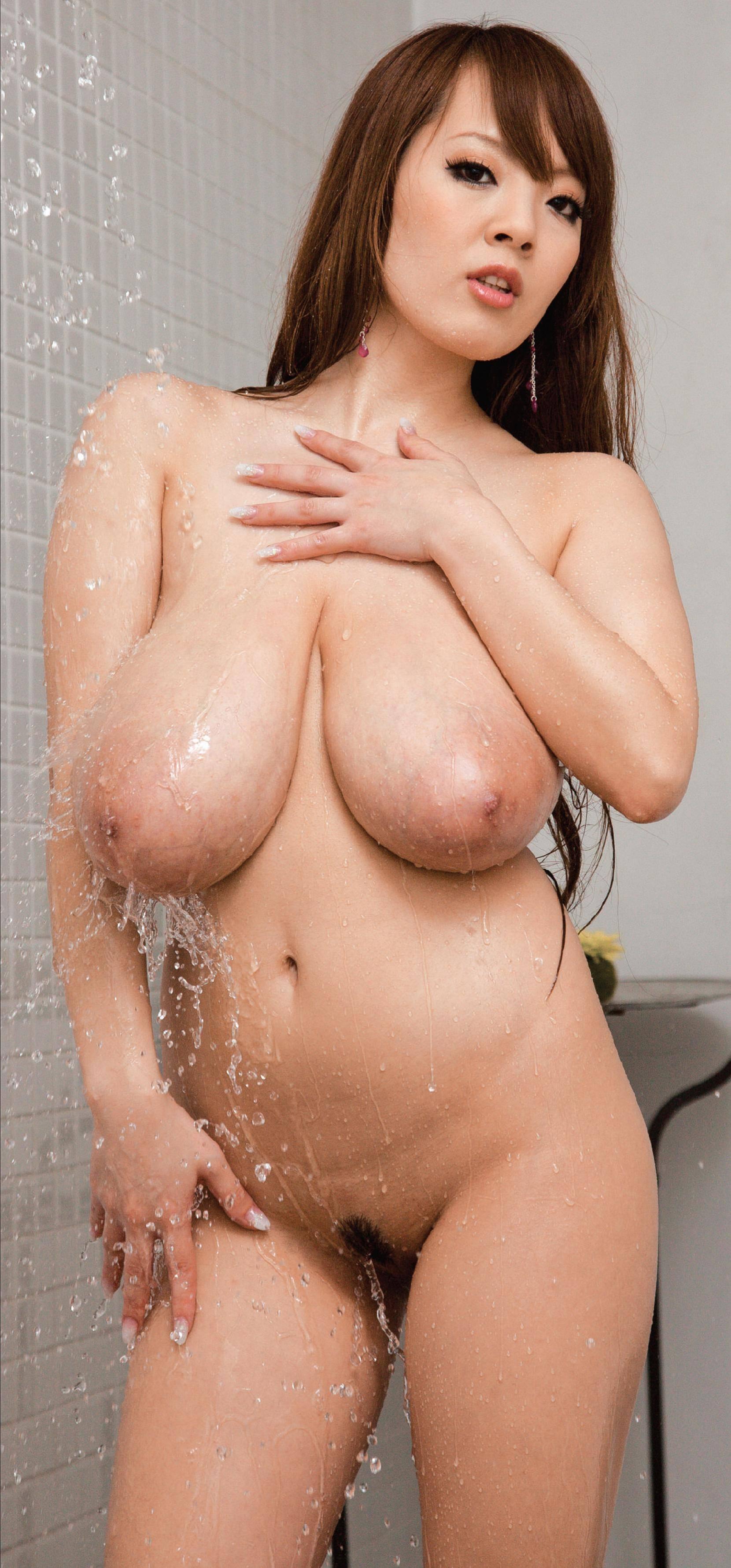 Asian Beauty Hitomi Tanaka In The Shower