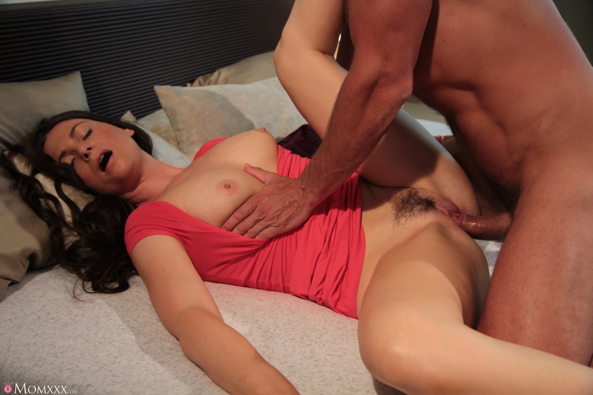 Thick n sexy juicy red fucked by bbc on the hard ass