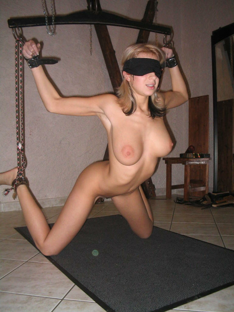 Sexy Naked Girls Tied Up Hanging
