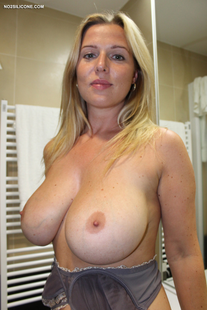 Milf boobs natural webcam