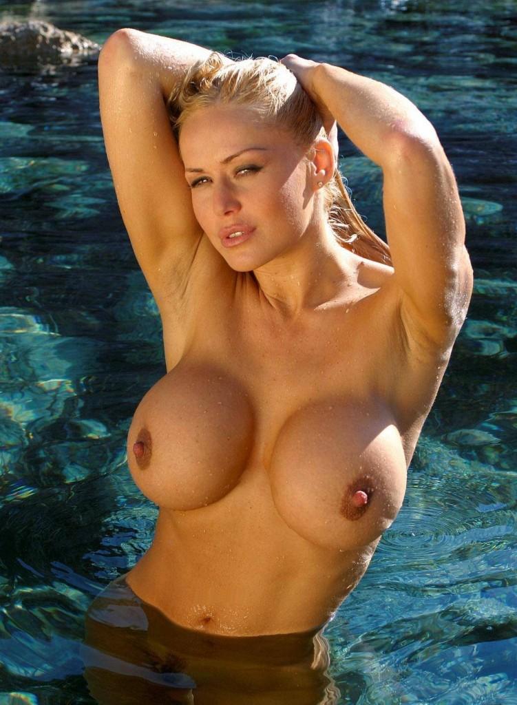 большая грудь саши фото