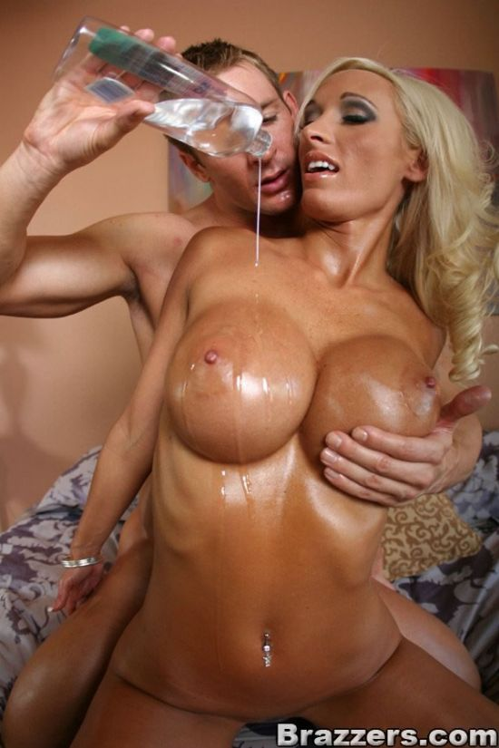 Lichelle Marie's Fabulous Oiled Up Tits 11312