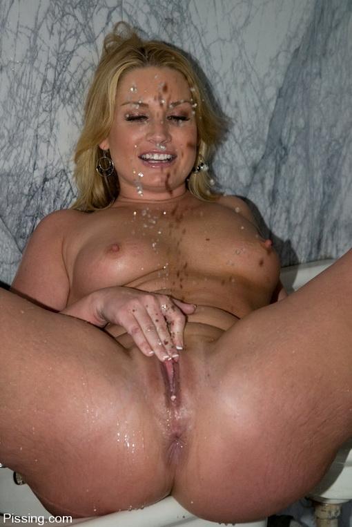 Blonde Milf Squirt Webcam