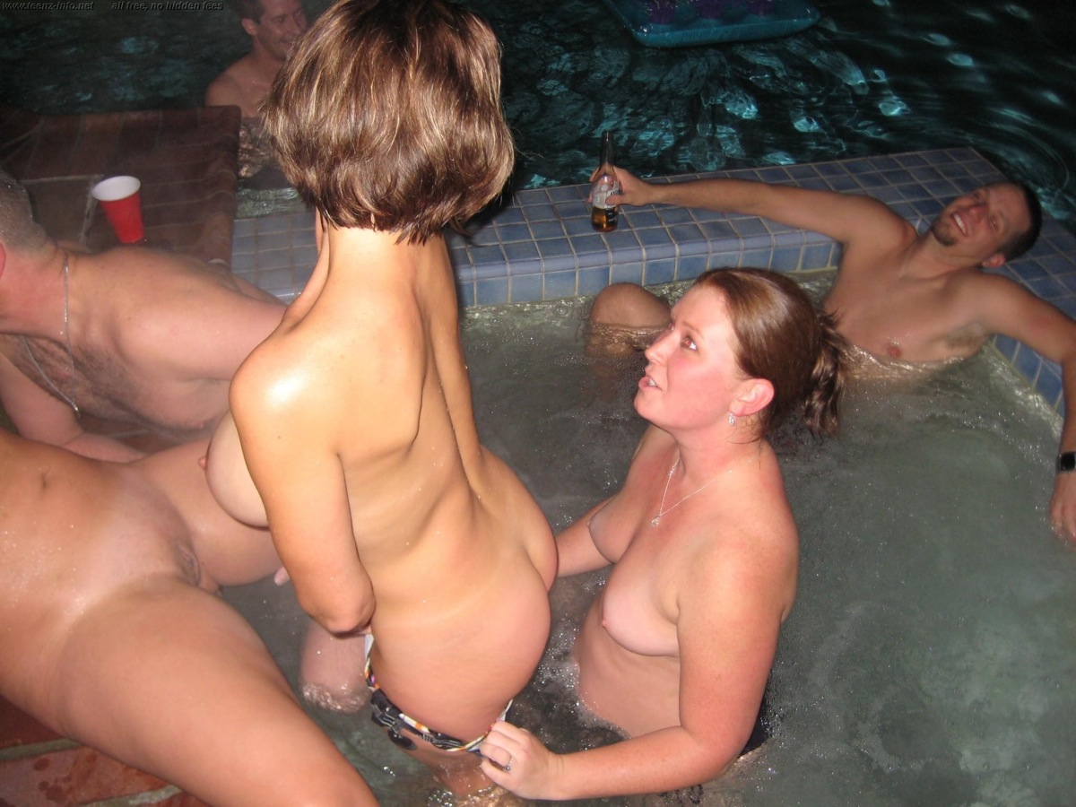 naked milfs sex party