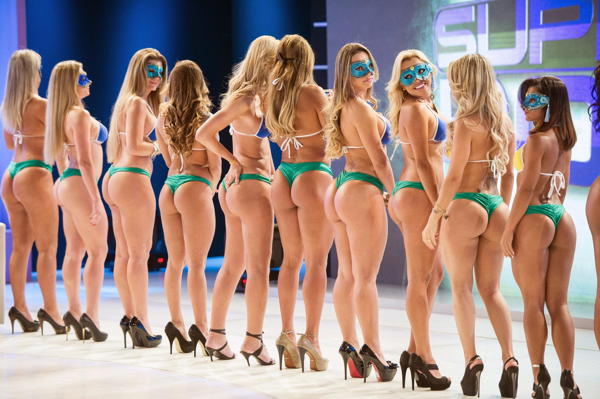 Hot back ass show