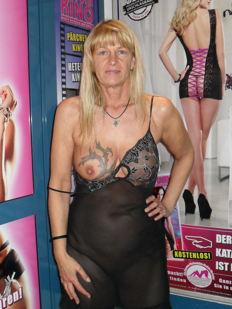 Sexy Blonde Tattooed Wife Shows Off Her Tits 13430
