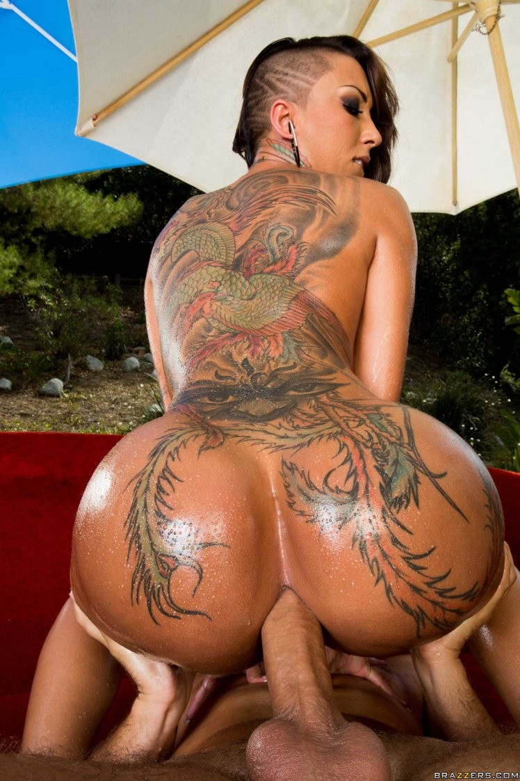 porn huge booty tattoo