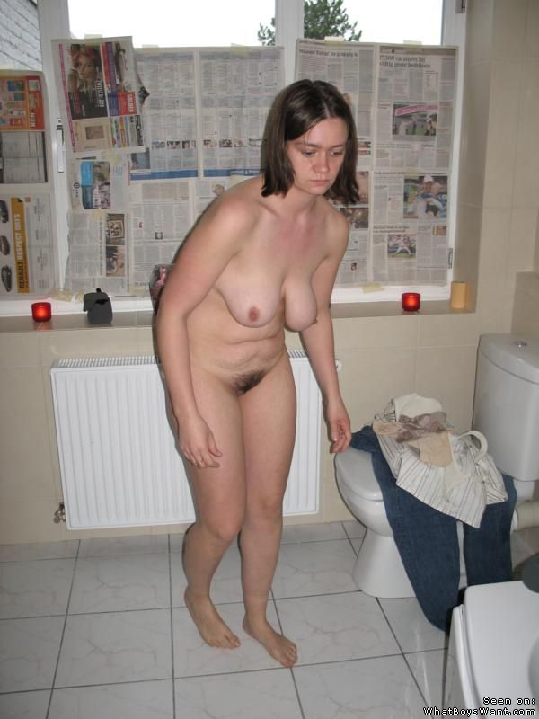 Slutty Amateur Caught Naked In Bathroom 13432-7997